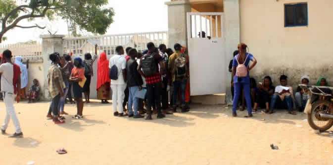 , Drama As 2019 UTME Candidates Swarm Abuja Registration Centre (Photos), No. 1 Information Arena