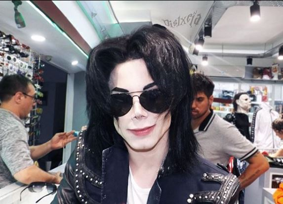 Meet The Man Who Has Spent $30,000 On Cosmetic Procedures Just To Look Like Michael Jackson