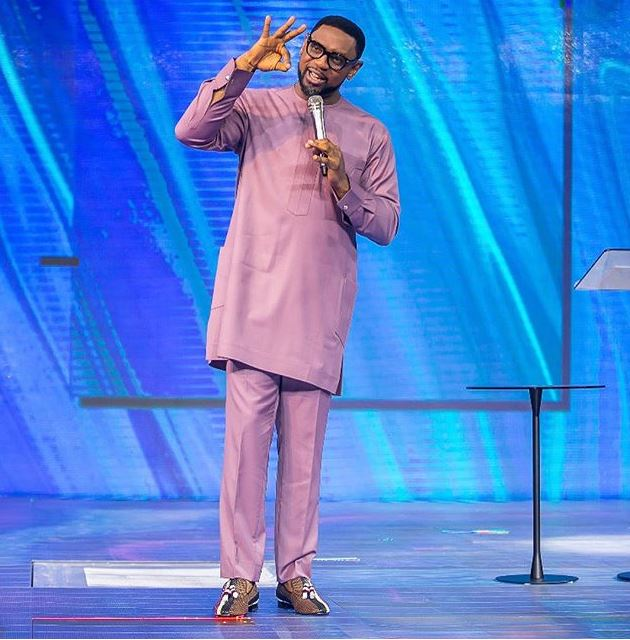 Fatoyinbo Gate: What COZA Members Did During Church Service Yesterday (Video)