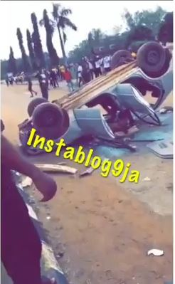 SARS Vehicle Officers Who Stormed Campus To Make Arrest destroyed by Nigerian University Students