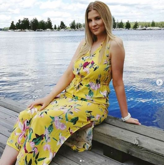 Another Beautiful White Lady needs Nigerian Man For Romance... See Her Contact