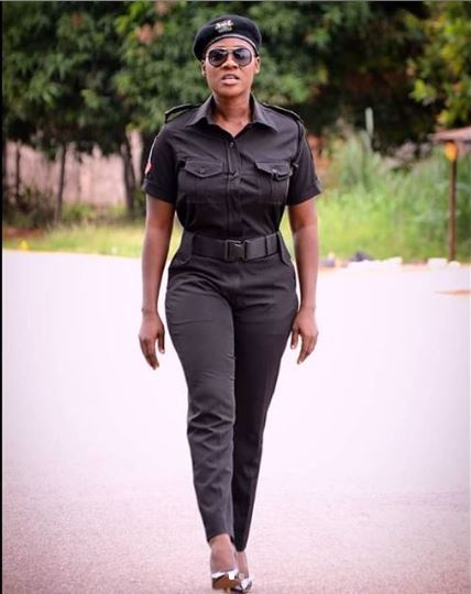 Popular Actress, Mercy Johnson Flaunts her sexy Curves In Police Uniform (Photos