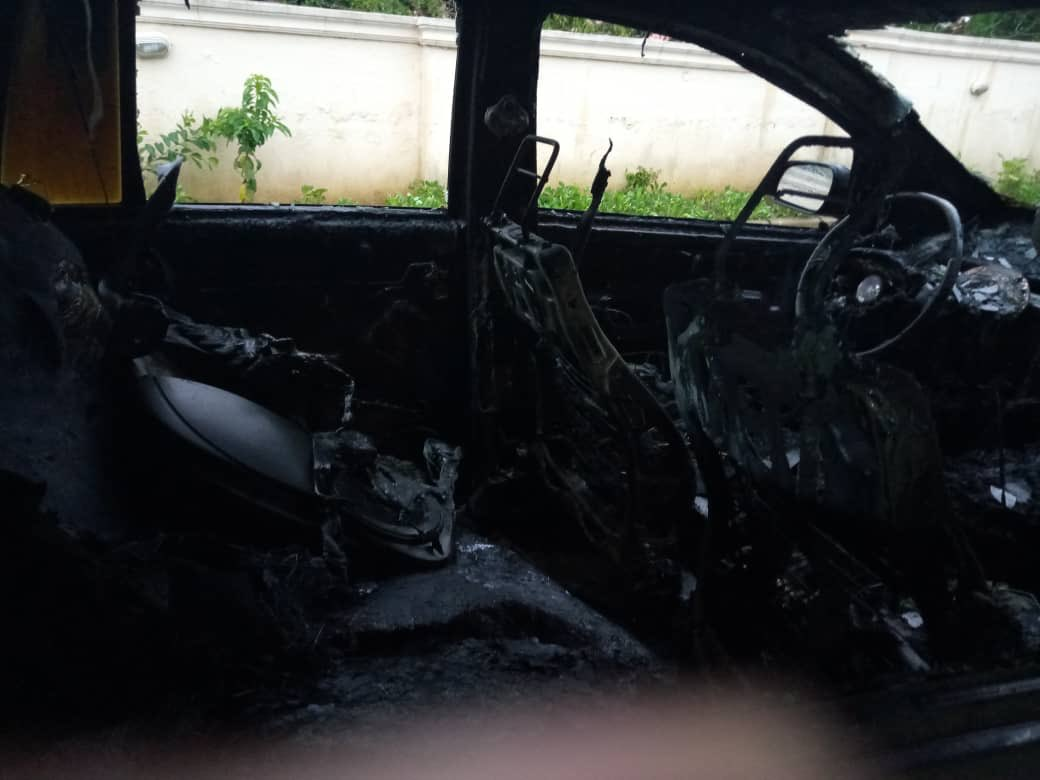 Serious Commotion As Lightning Strikes Car In Abuja 6