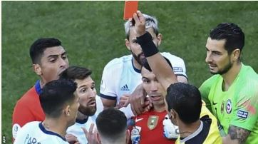 Lionel Messi, red card