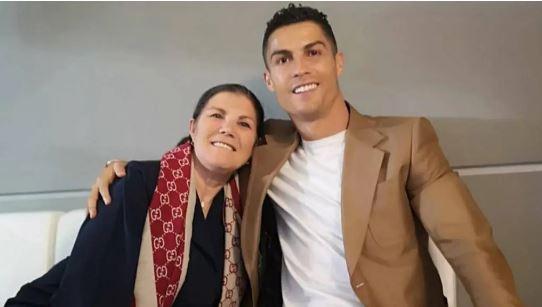 Cristiano Ronaldo, Dolores Aveiro,