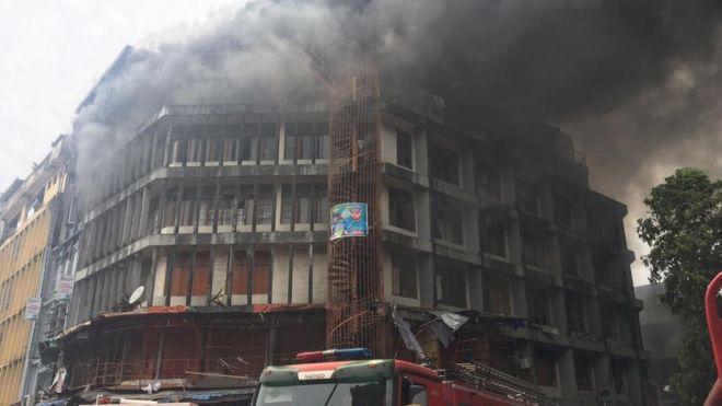 Burning Balogun market in Lagos