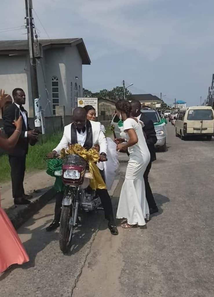 The  newly married couple ride bike home