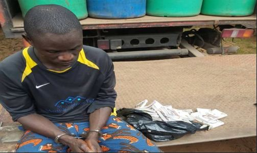 man caught with fake notes