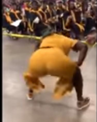 The Moment Excited Mom Twerked At Son's Graduation Ceremony (Video) 1
