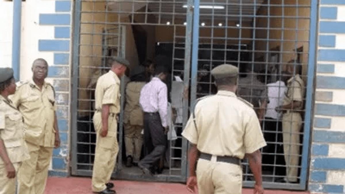 prison officers suspended