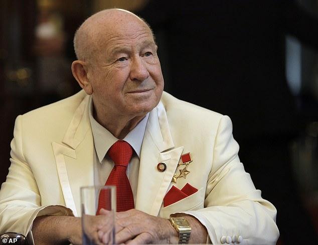 Alexei Leonov dies