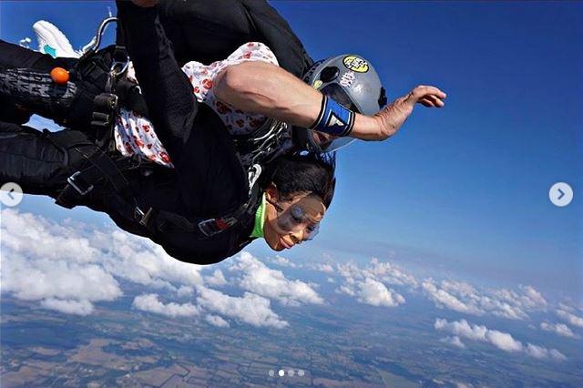 Nina enjoys skydiving experience