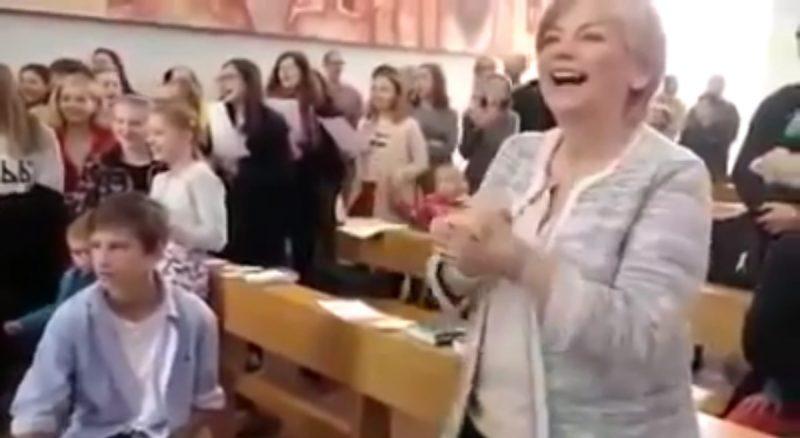 Americans sing Igbo song