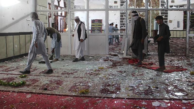 Suicide bomber attack mosque