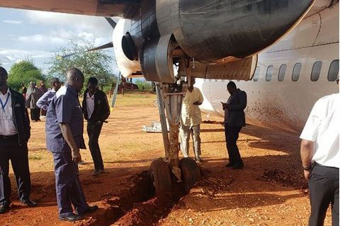 plane stuck in mude