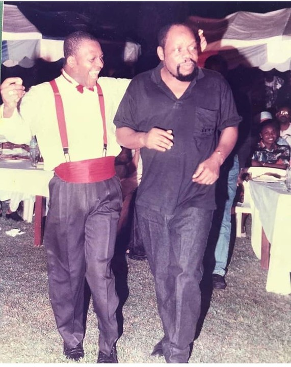 Sir Shina Peters and Odumegwu Ojukwu in 1989