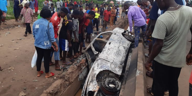 Speeding car accident in Benin