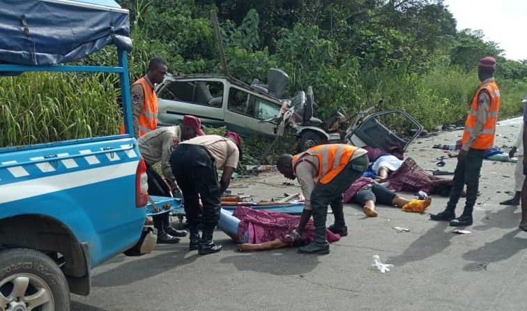 9 teachers die in accident