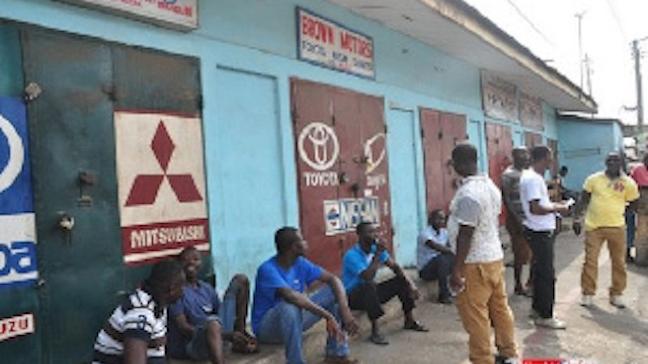 Ghana Traders Association shuts shops owned by Nigerians