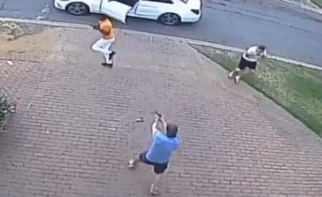 Man shoot two armed robbers