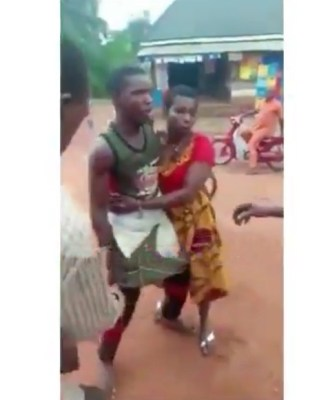 The man fought with the lover after denying her pregnancy