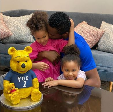 Mikel Obi and his girls
