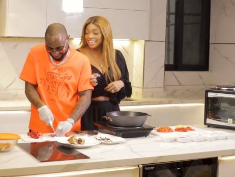 Davido cooks sumptuous meal at sister's show