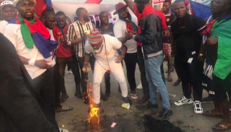 Ijaw youths block East-West road causing traffic jam