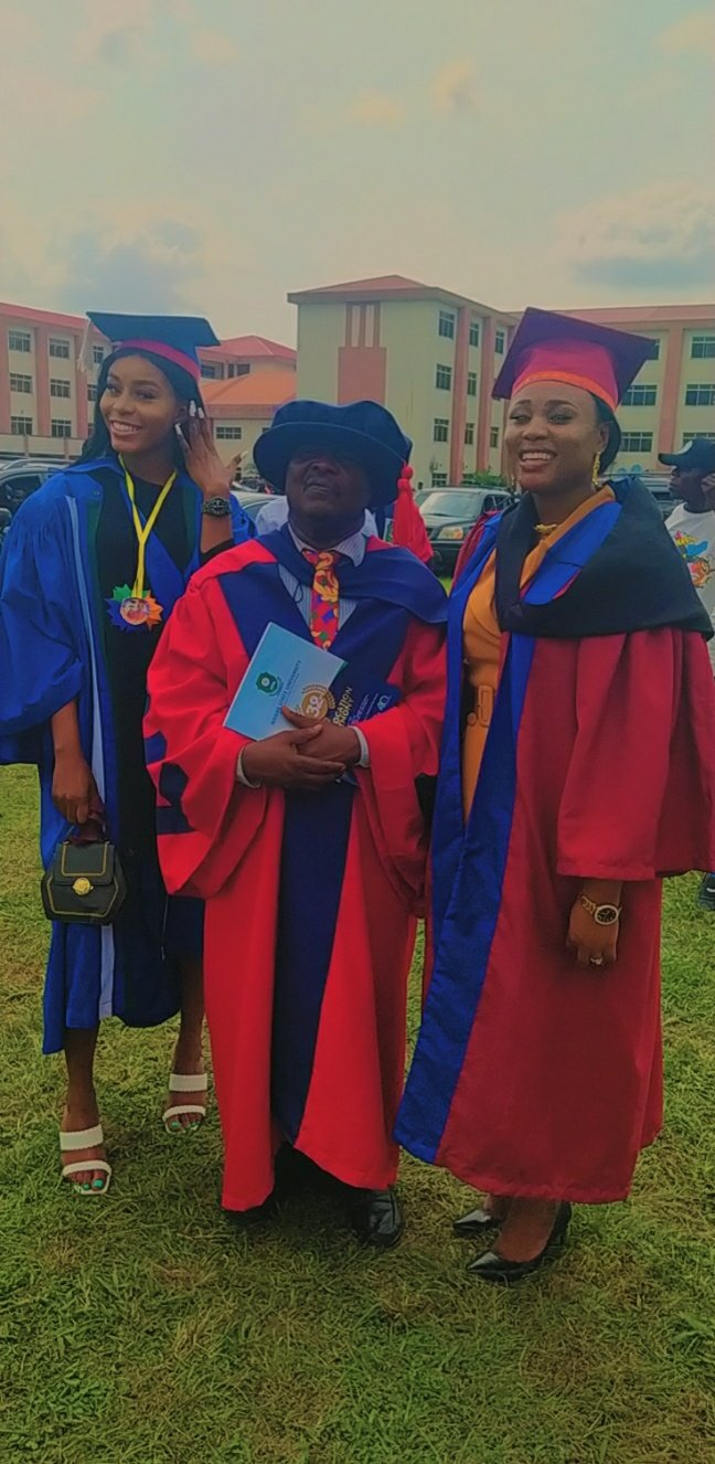 The trio had their convocation on the same day from the same university