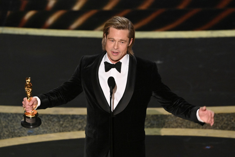 Bradd Pitt wins his first Oscar