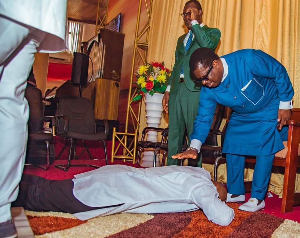 Bayelsa Governor, Duoye Diri lay flat on the floor during thanksgiving