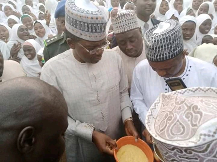 Governor Matawalle forces teachers to eat poor quality food served students