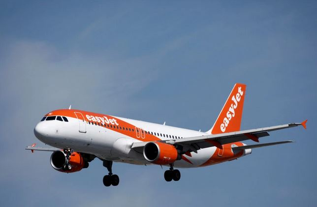 air passenger dies during flight