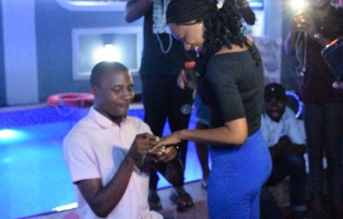 Man proposes to his lover