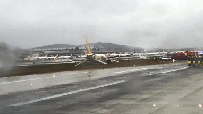 plane skids off runway