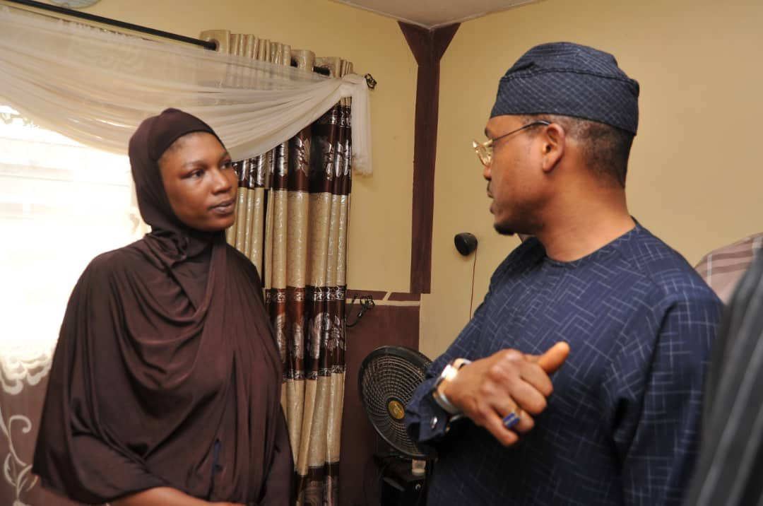 Shina Peller promised to sponsor the education of the child of the fallen soldier