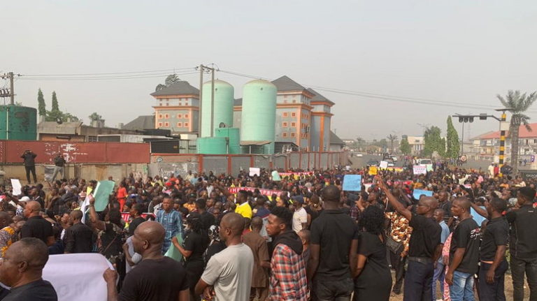 Imo state residents protesting Ihedioha's removal as governor