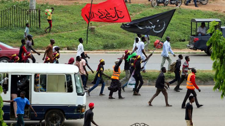 Shi'ites and police clash
