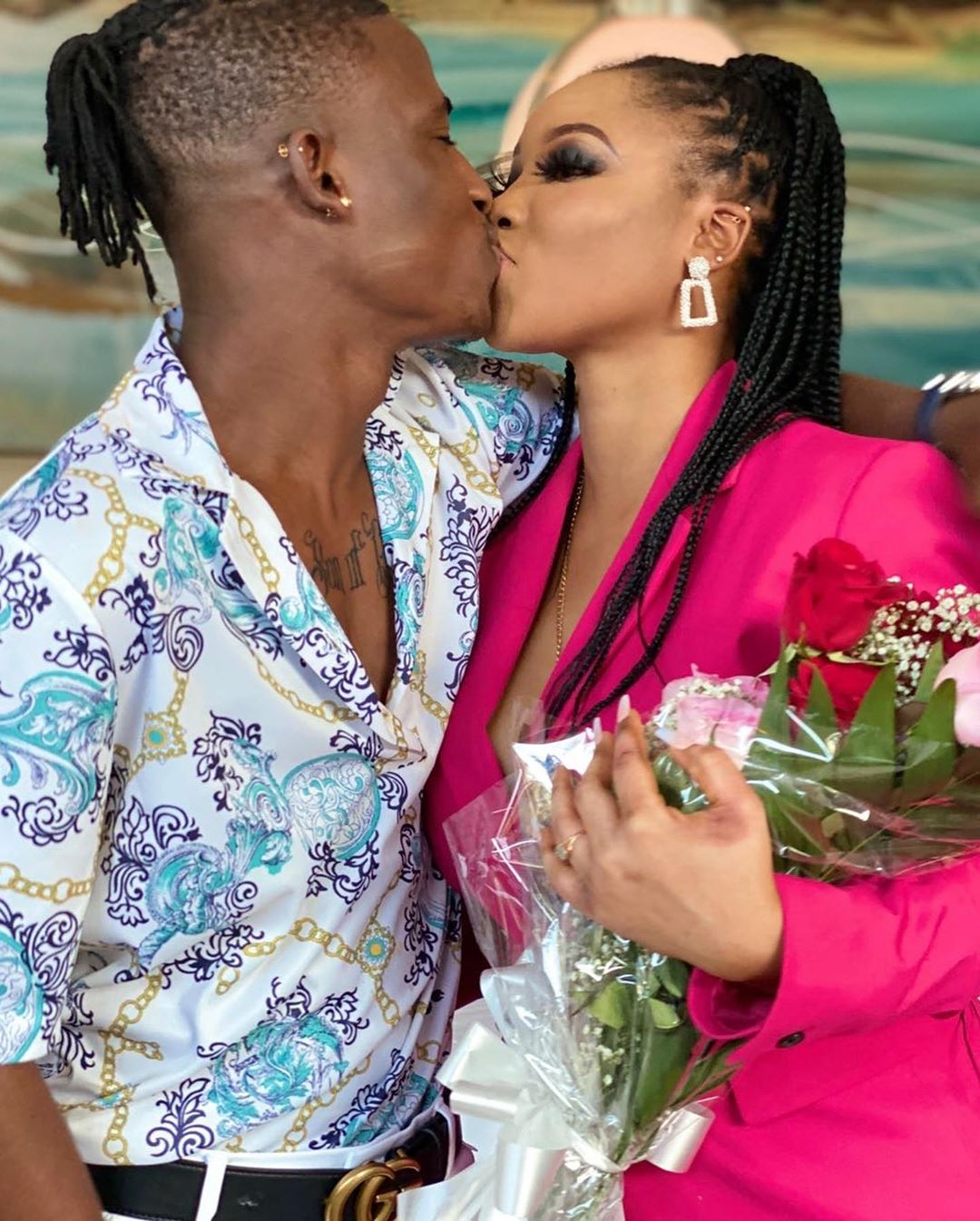 Nollywood actor proposes to his beautiful girlfriend in a restaurant (Photos) 9