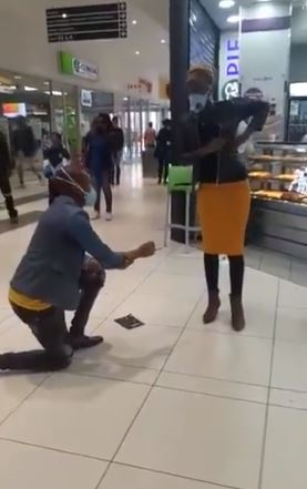 Man proposes to his girlfriend of 5 years