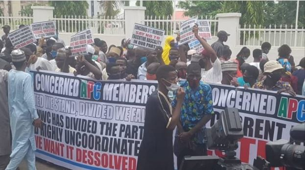 APC members protesting and demanding for sack of NWC