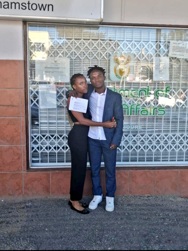 Rhodes students get married after dating for 2 weeks