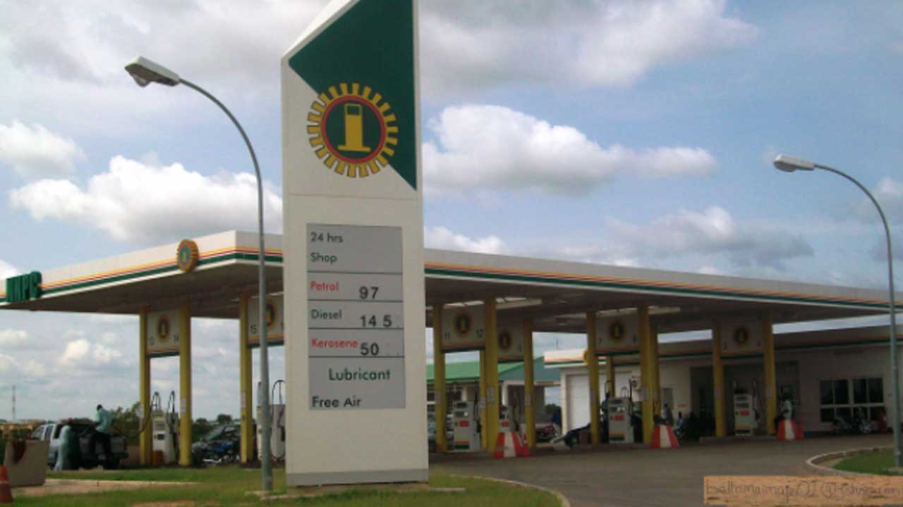 BREAKING: FG Orders NNPC To Reduce Petrol Price From N145