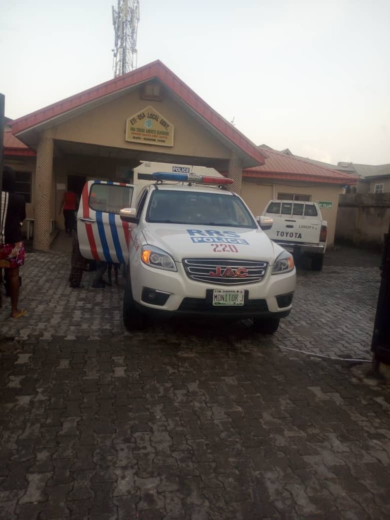 RRS officers rush woman who gave birth on the road to hospital