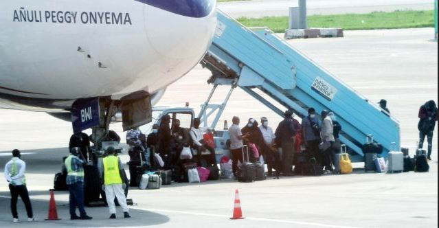 Nigerians arrive from China