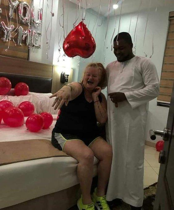 The Nigerian man proposed to his oyibo lover and she said yes