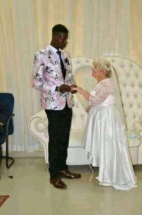 The man married his oyibo lover