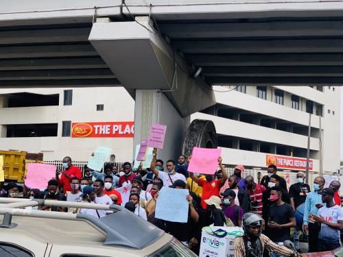 Nigerians protesting against SARS in Lagos