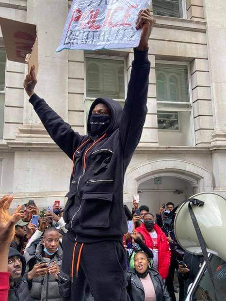 Wizkid protesting against SARS in London