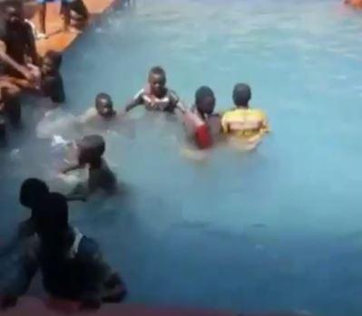 Children at Oba of Lagos' swimming pool